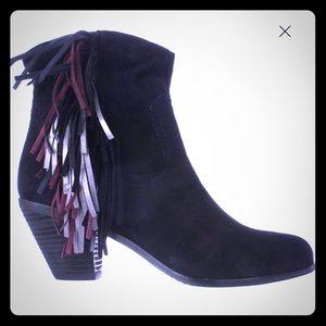 SAM EDELMAN black suede booties with fringe! 🖤